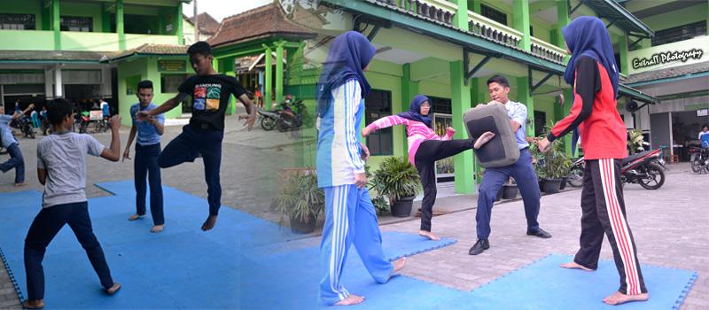 "Latihan Rutin Ekstra Pencak Silat ""Pagar Nusa"""